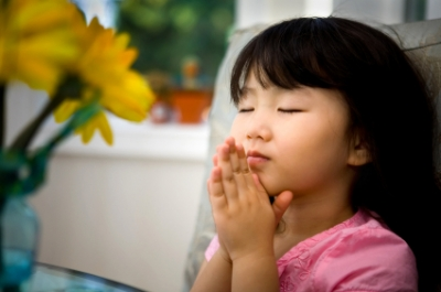 littlegirlpraying.jpg